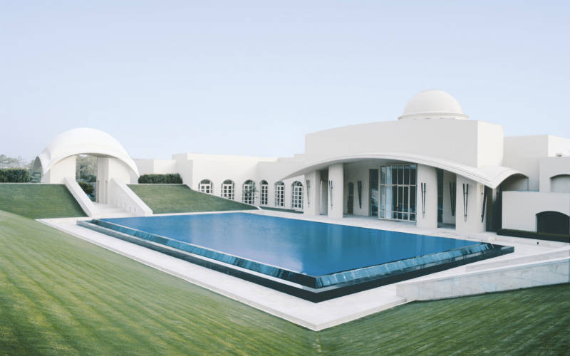 10 Hotels With Rooftop Swimming Pools In India