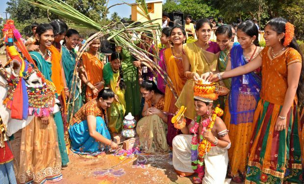 essay on indian festivals in marathi
