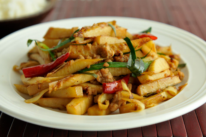 Bamboo shoot fry in arunachal pradesh india travelwhistle for Arunachal pradesh cuisine