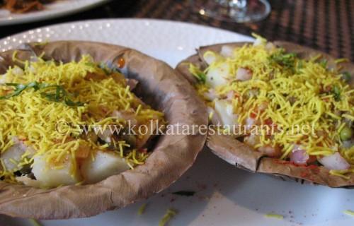 Banarasi chaat in uttar pradesh india travelwhistle for Cuisines of uttar pradesh